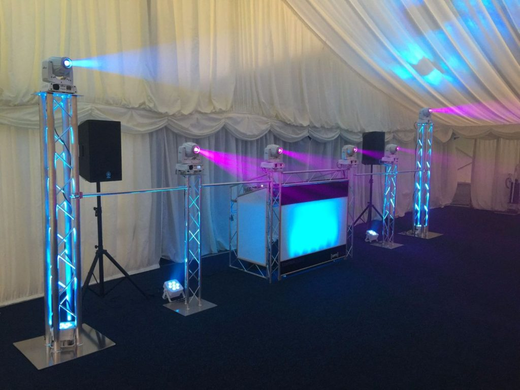 trilite by opti booth 1024x768 - Weddings & Corporate Shows